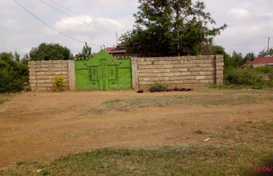 Plot with Bungalow For Sale: Kangundo Rd – Nguluni
