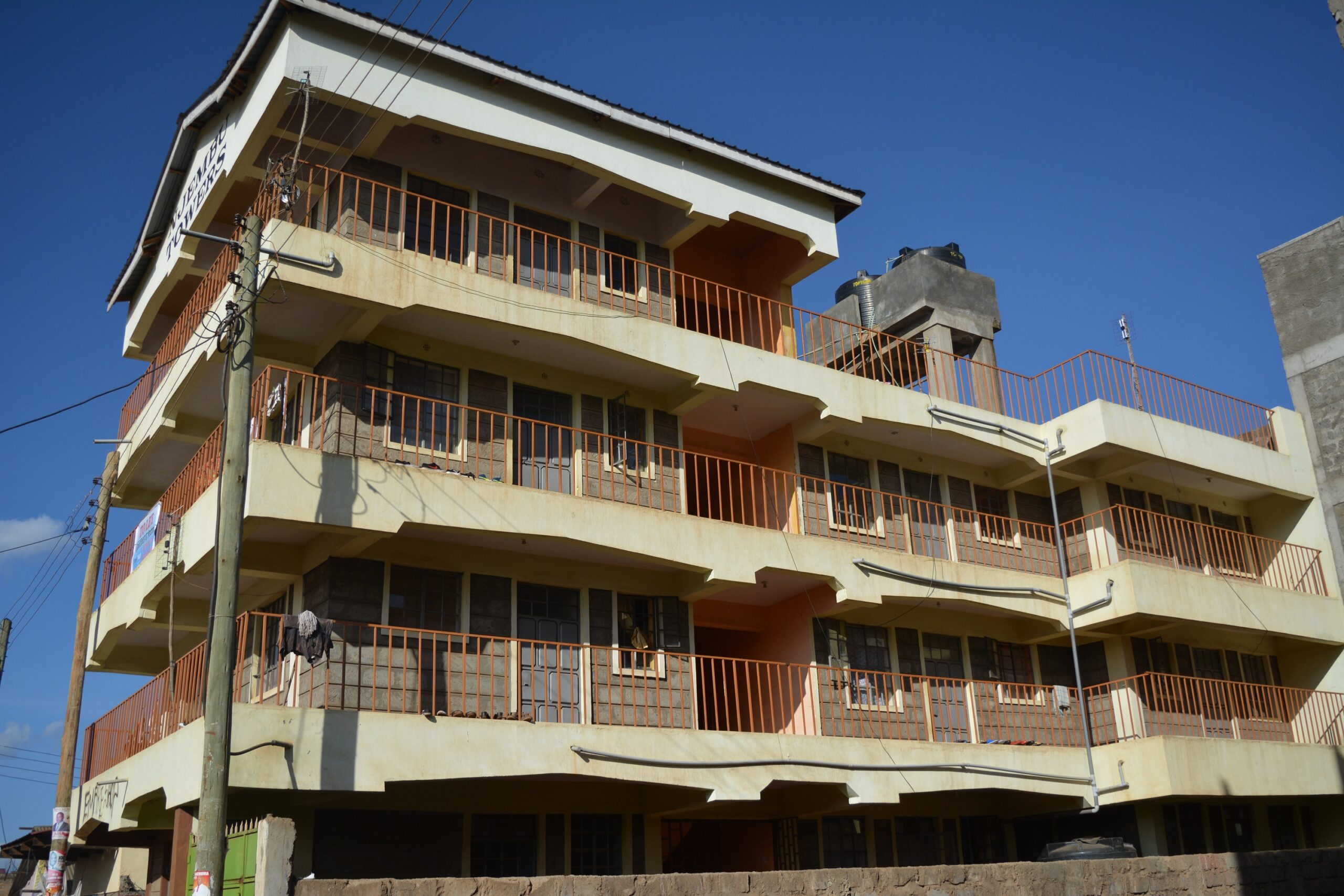 Muigai Inn 3 storey Flat FOR SALE