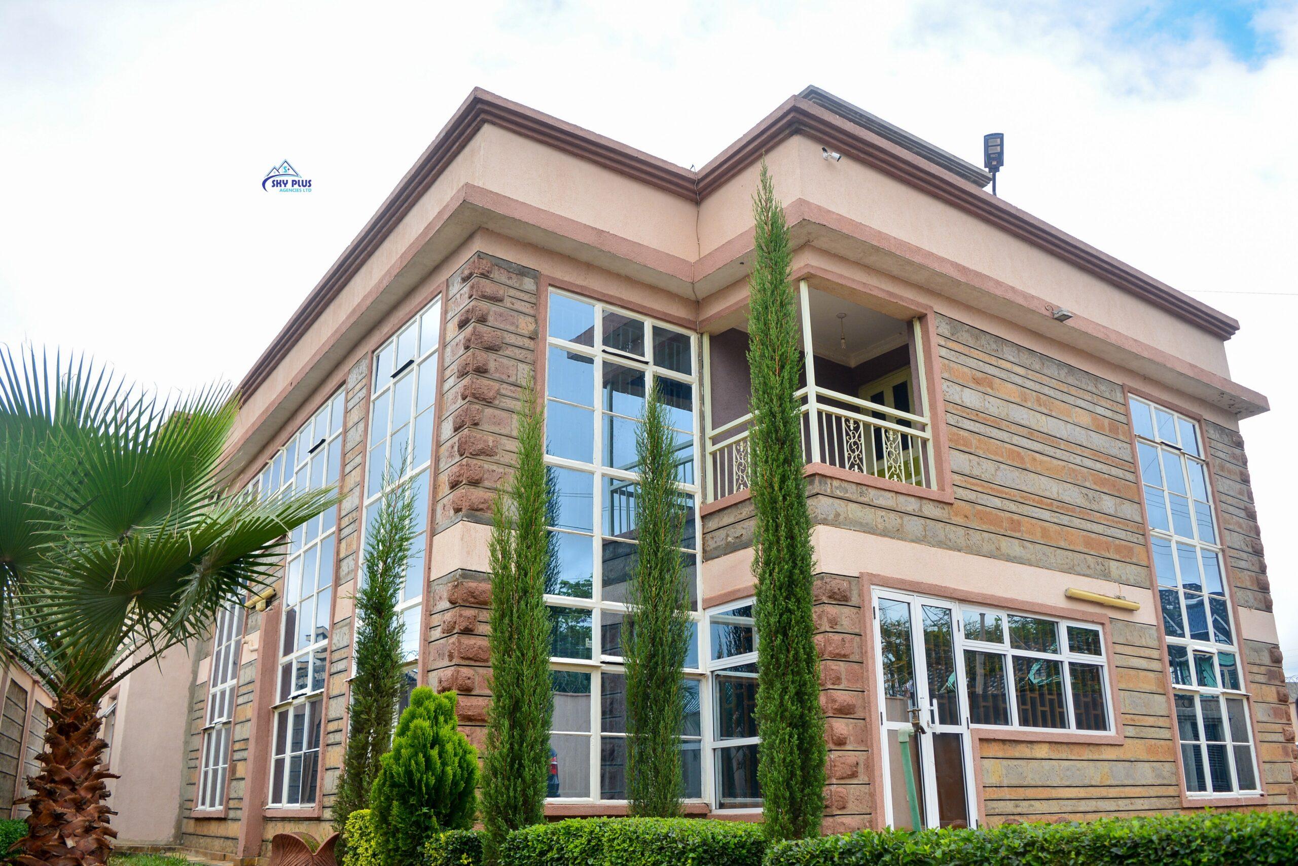 4 Bedroom maisonette, all-ensuite + Dsq FOR SALE; Membley Daykio Estate
