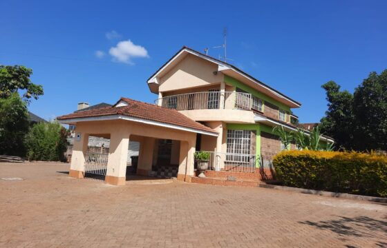5 Bedroom; 4 Ensuite Maisonette FOR SALE – Thome